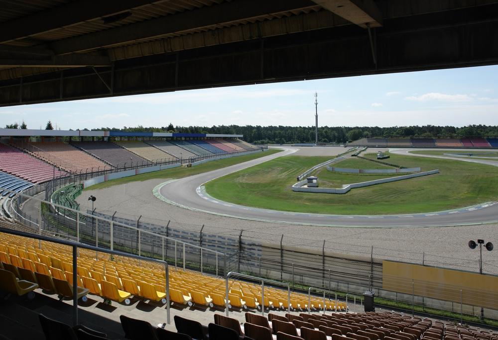 roofed racetrack tribune