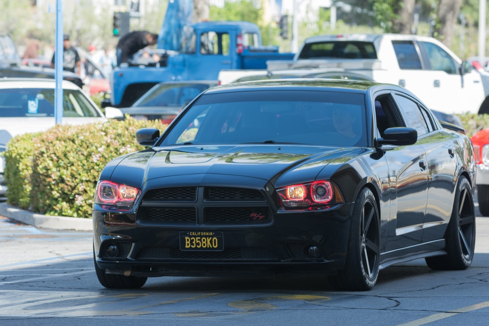 2011-Dodge-Charger-min