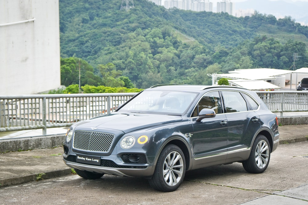 bentley-bentayga-min