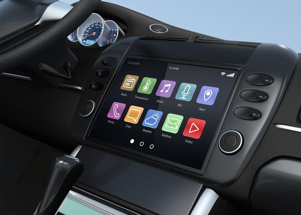 car-computer-min