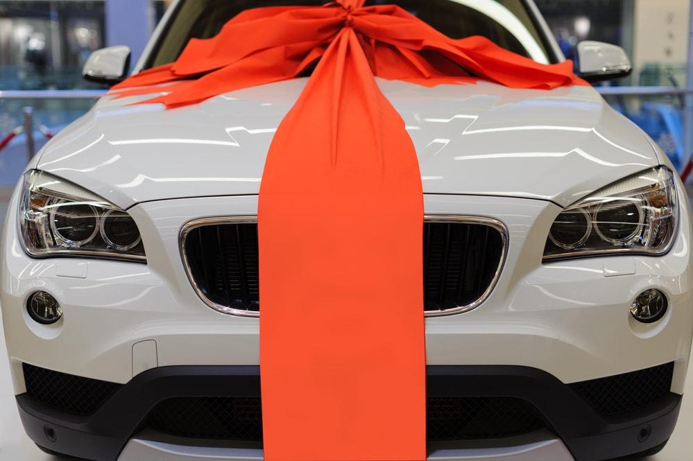car-gift-min