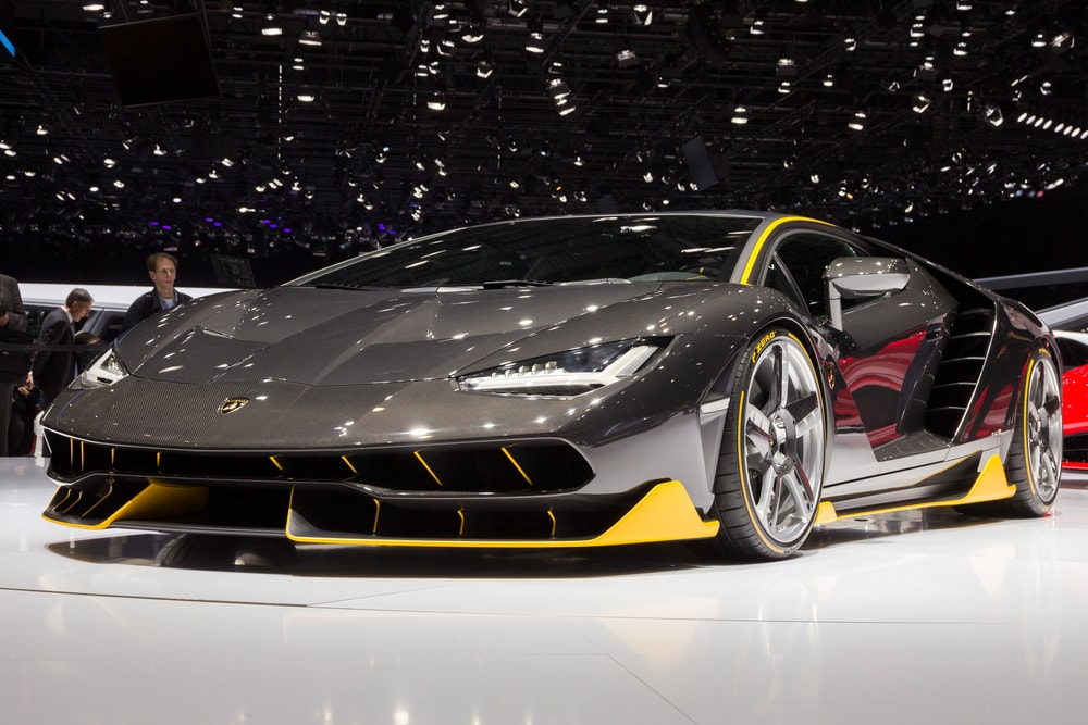 Lamborghini-LP770-4-Centenario-transformers-hot-rod-min