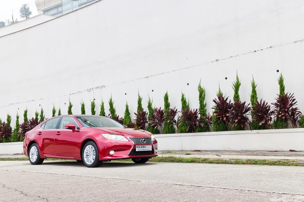 Lexus-ES-min