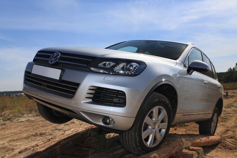 Volkswagen-Touareg-min