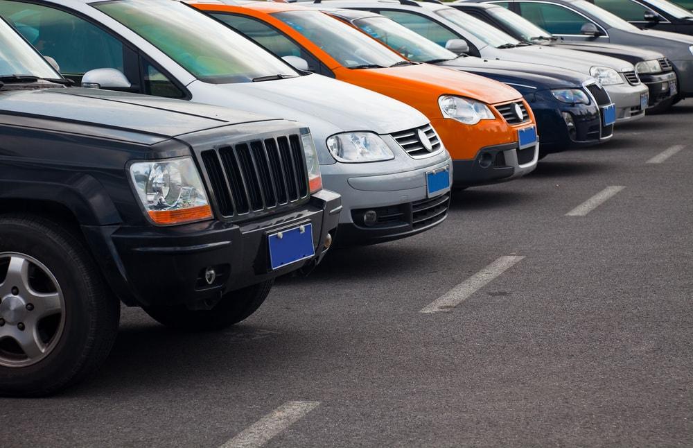 cars-on-a-parking-lot-min