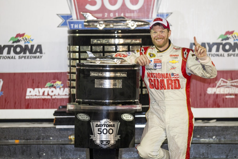 dale-earnhardt-jr-2014-min