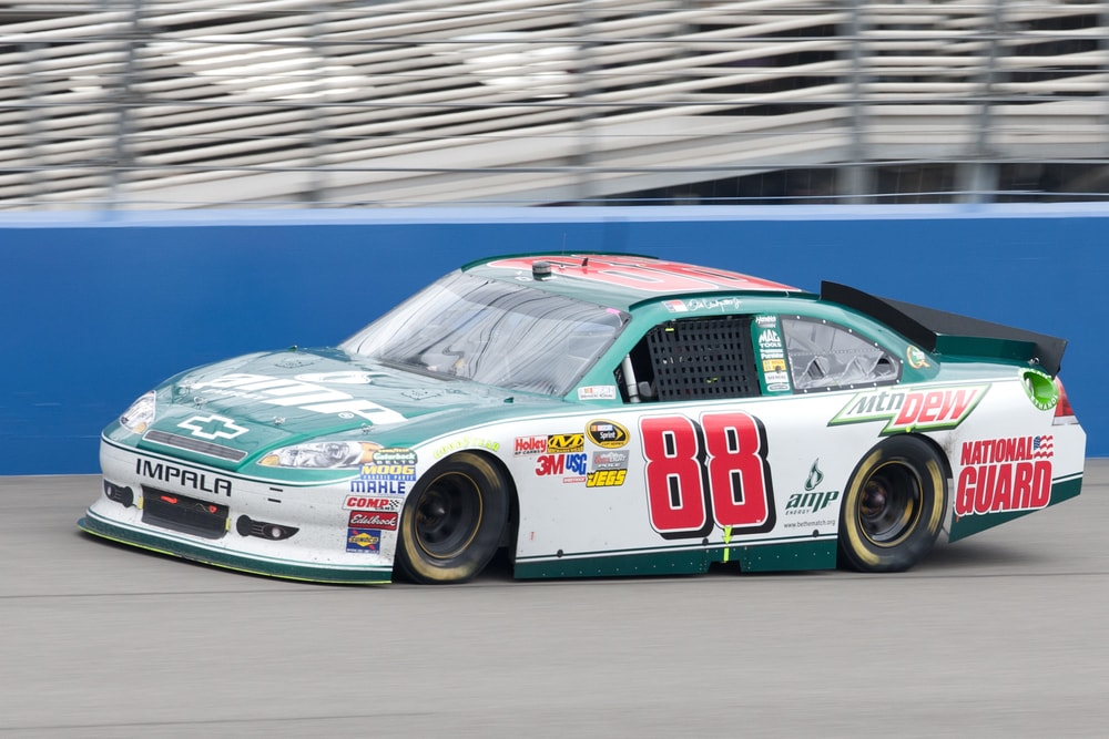 dale-earnhardt-jr-car-min