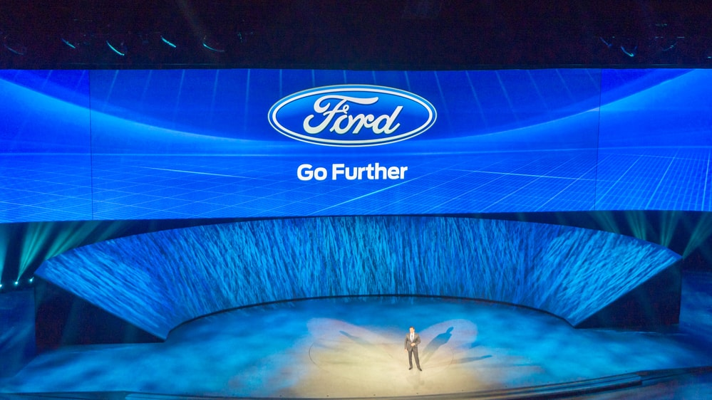ford-ceo-mark-fields-min