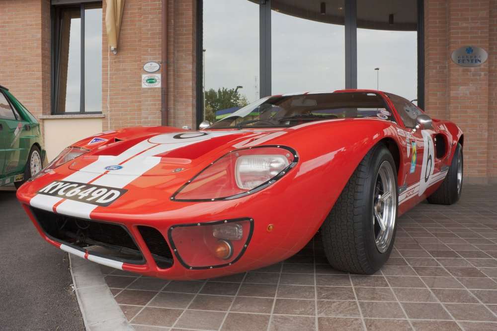ford gt40 red side