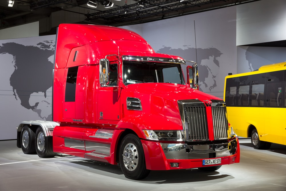 optimus-prime-western-star-5700-min