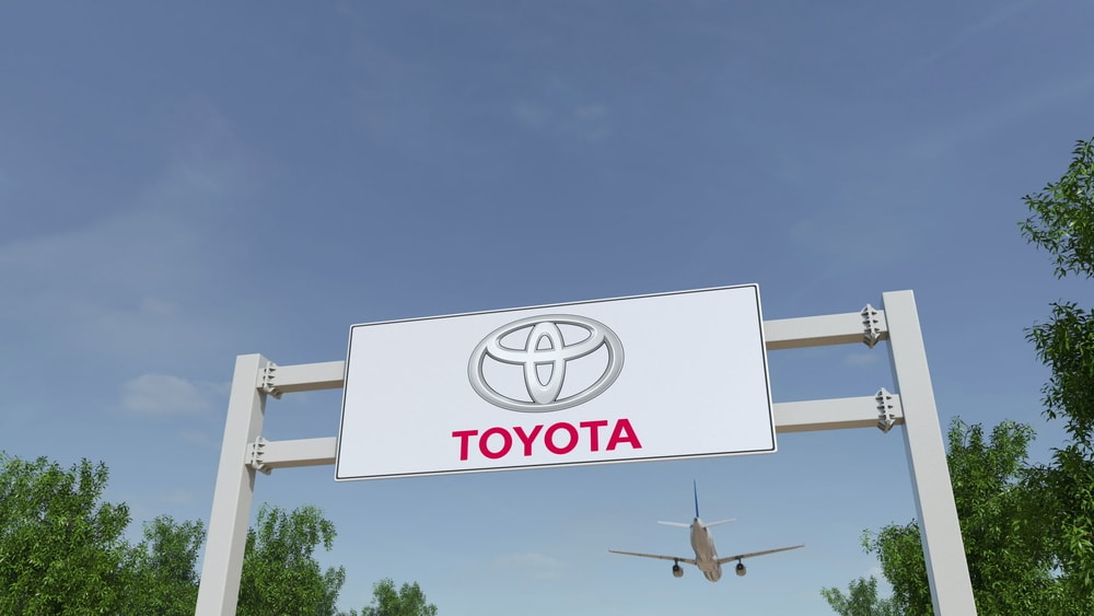 toyota airplane flying car min