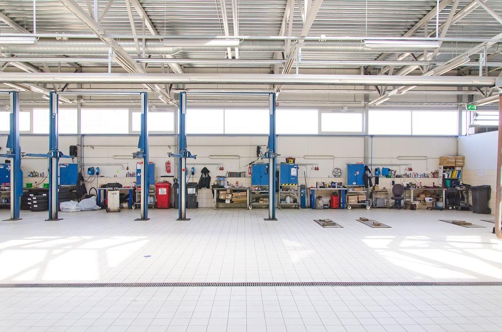 empty auto service center
