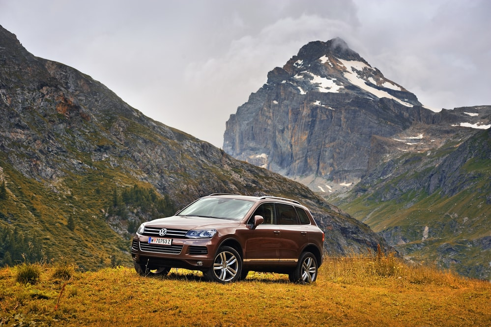 volkswagen-touareg mountain trail