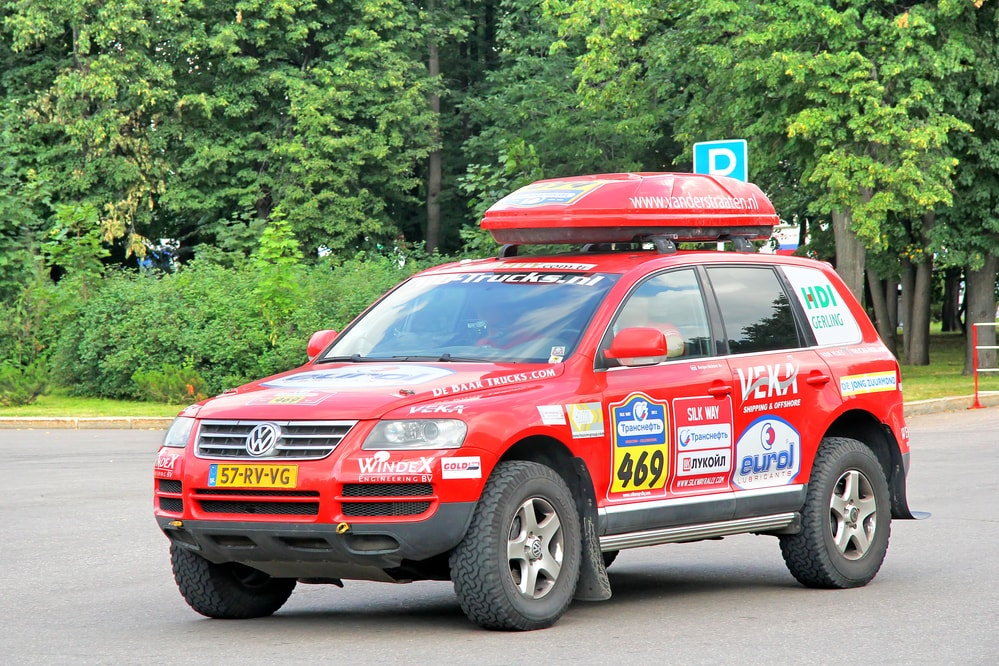 volkswagen touareg rally car