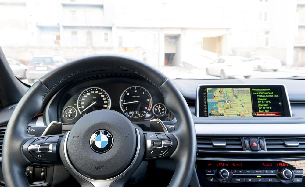 bmw heads up display